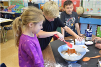 Grundy Avenue Students Bake Pumpkin Bread photo 3